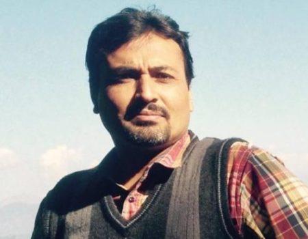 لکھاری کی تصویر